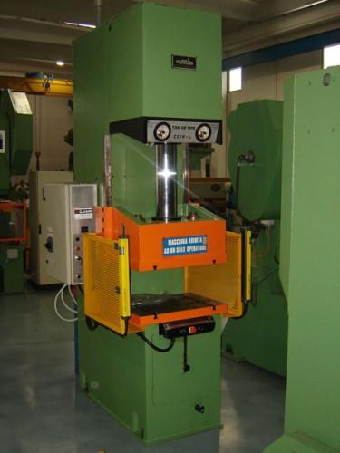 Pressa a collo di cigno omb mtm machine tool market for Pressa idraulica manuale usata